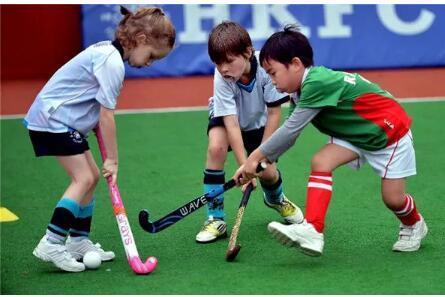草地曲棍球给让大众焕发活力和运动的气息