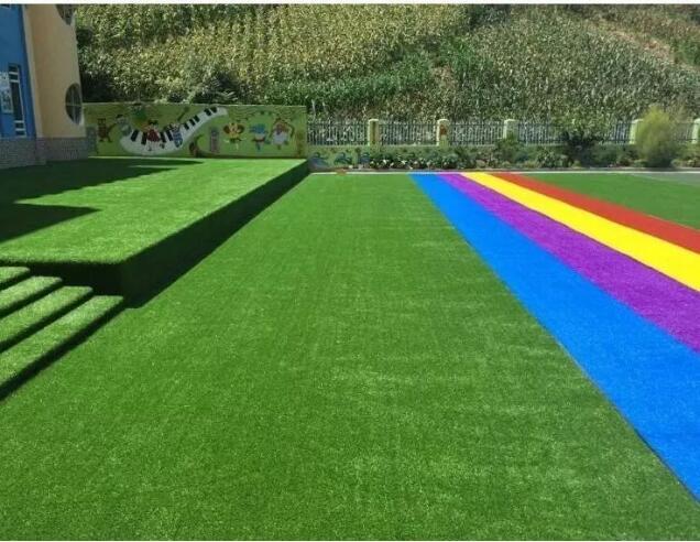 幼儿园人造草坪有什么样的特点?